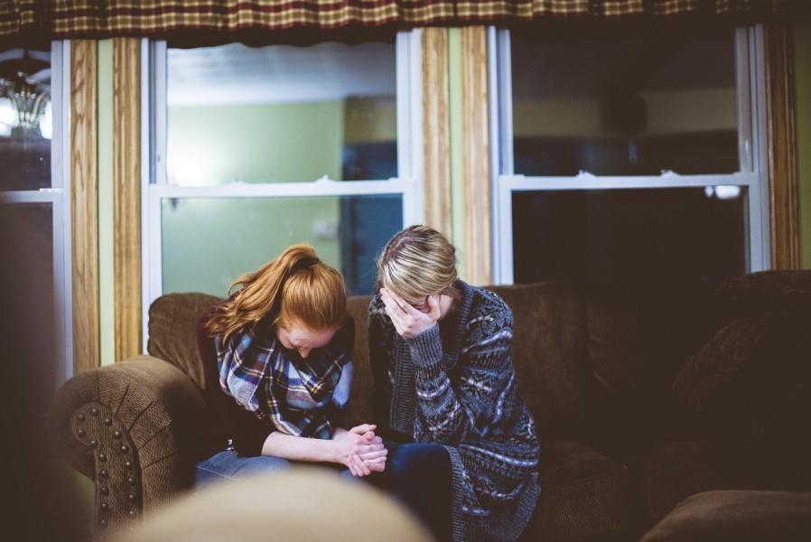 Mães influenciam mais a fé dos filhos do que os…